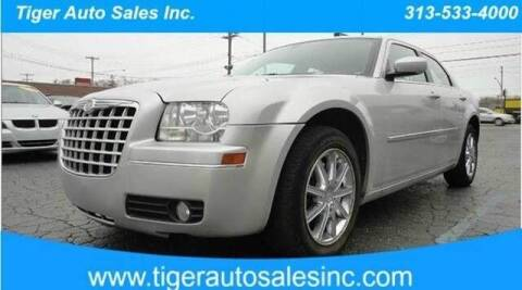 2009 Chrysler 300 for sale at TIGER AUTO SALES INC in Redford MI
