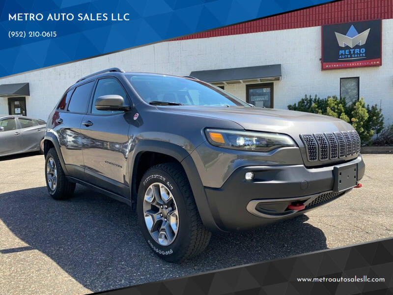 2019 Jeep Cherokee for sale at METRO AUTO SALES LLC in Blaine MN