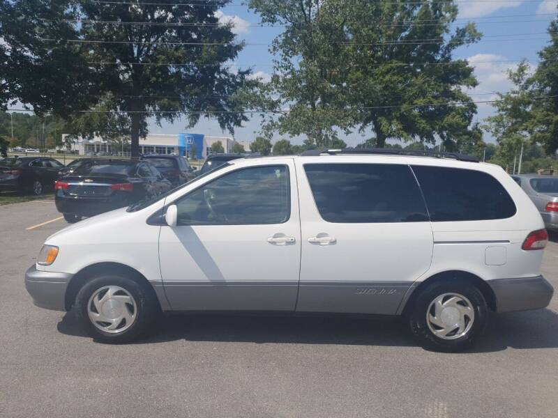 2002 Toyota Sienna for sale at Econo Auto Sales Inc in Raleigh NC