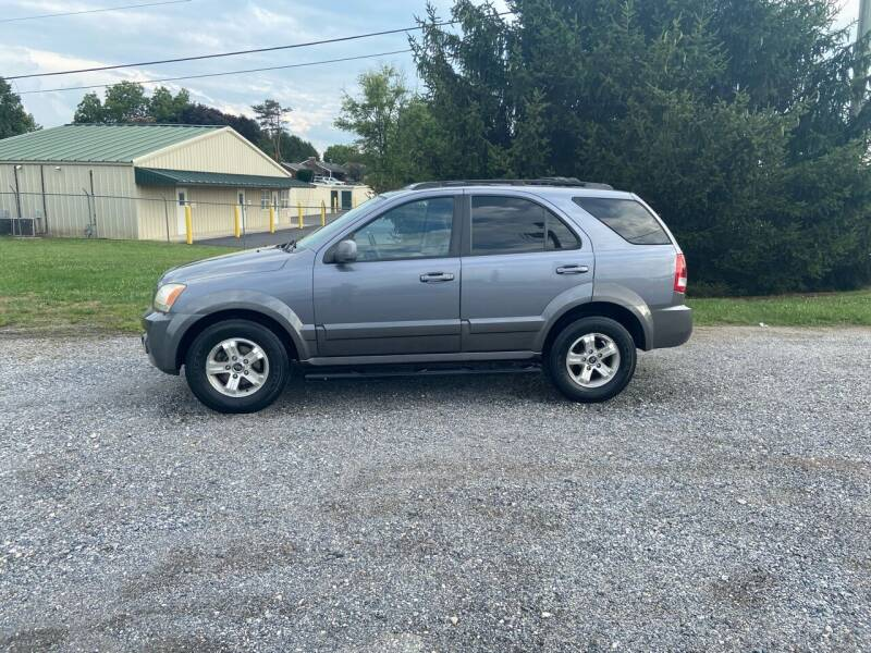 2005 Kia Sorento for sale at 83 Autos in York PA