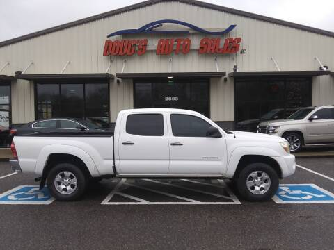 2007 Toyota Tacoma for sale at DOUG'S AUTO SALES INC in Pleasant View TN