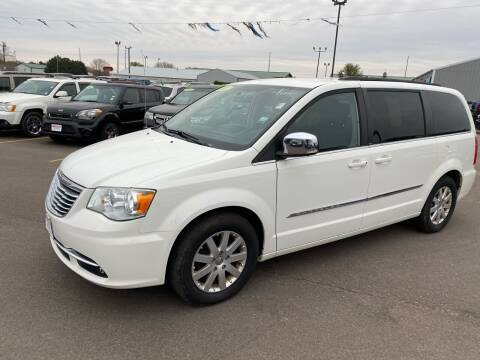 2011 Chrysler Town and Country for sale at De Anda Auto Sales in South Sioux City NE