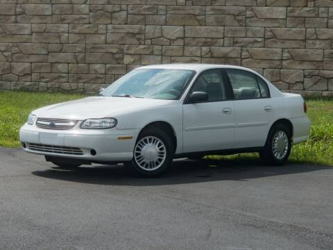 2005 Chevrolet Classic for sale at Car Hunters LLC in Mount Juliet TN