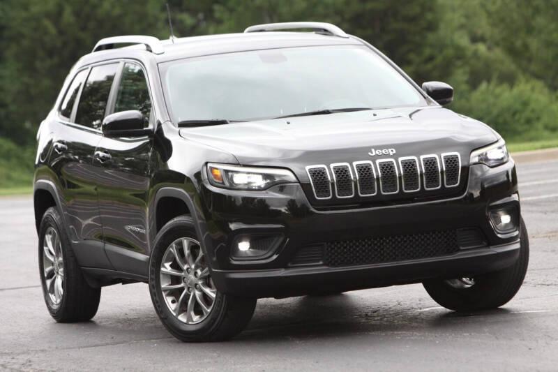 2019 Jeep Cherokee for sale at P M Auto Gallery in De Soto KS