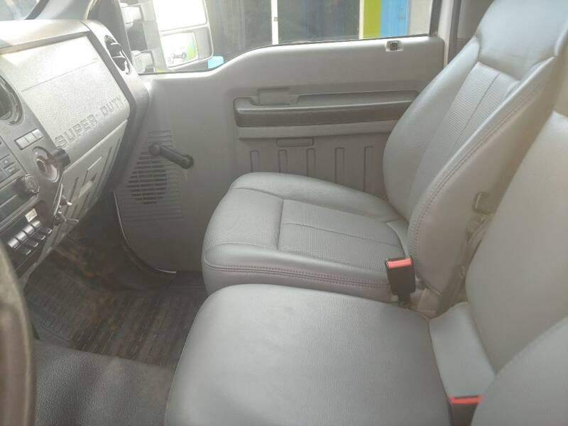 2011 Ford F-350 Super Duty 4x4 XL 2dr Regular Cab 141 in. WB SRW Chassis - Largo FL