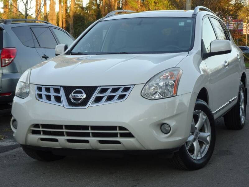 2011 Nissan Rogue for sale at Deal Maker of Gainesville in Gainesville FL