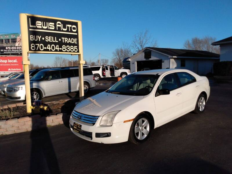 2009 Ford Fusion for sale at LEWIS AUTO in Mountain Home AR