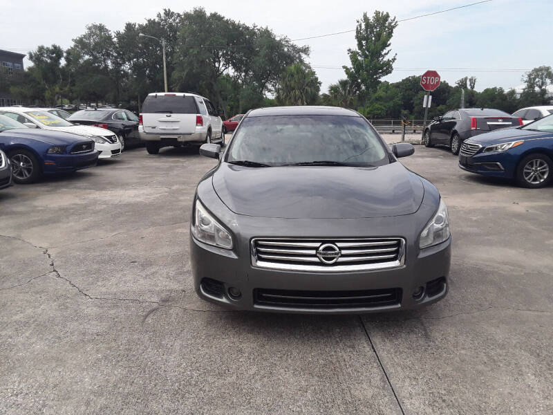 2014 Nissan Maxima for sale at FAMILY AUTO BROKERS in Longwood FL