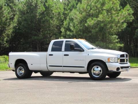 2005 Dodge Ram Pickup 3500 for sale at Hometown Auto Sales - Trucks in Jasper AL