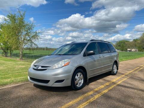 2008 Toyota Sienna for sale at Tennessee Valley Wholesale Autos LLC in Huntsville AL