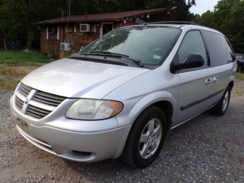 2005 Dodge Caravan for sale at Select Cars Of Thornburg in Fredericksburg VA