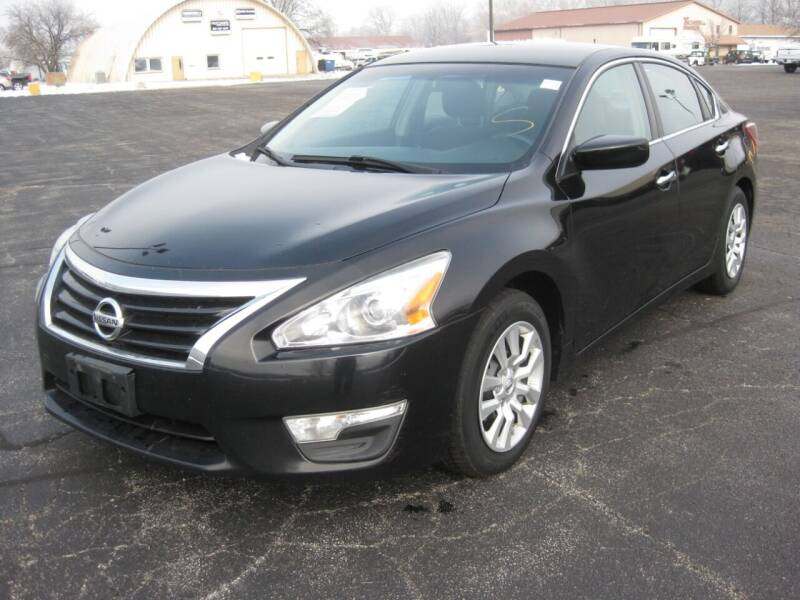 2013 Nissan Altima for sale at Pre-Owned Imports in Pekin IL