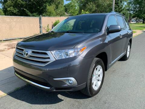 2012 Toyota Highlander for sale at ONG Auto in Farmington MN