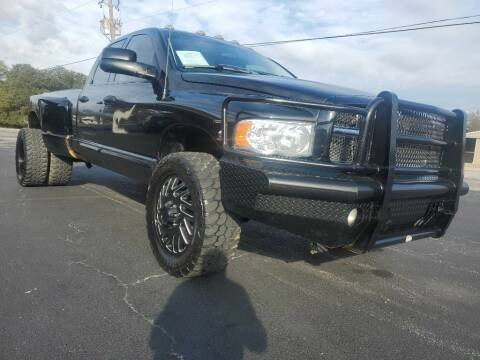 2003 Dodge Ram Pickup 3500 for sale at Thornhill Motor Company in Lake Worth TX