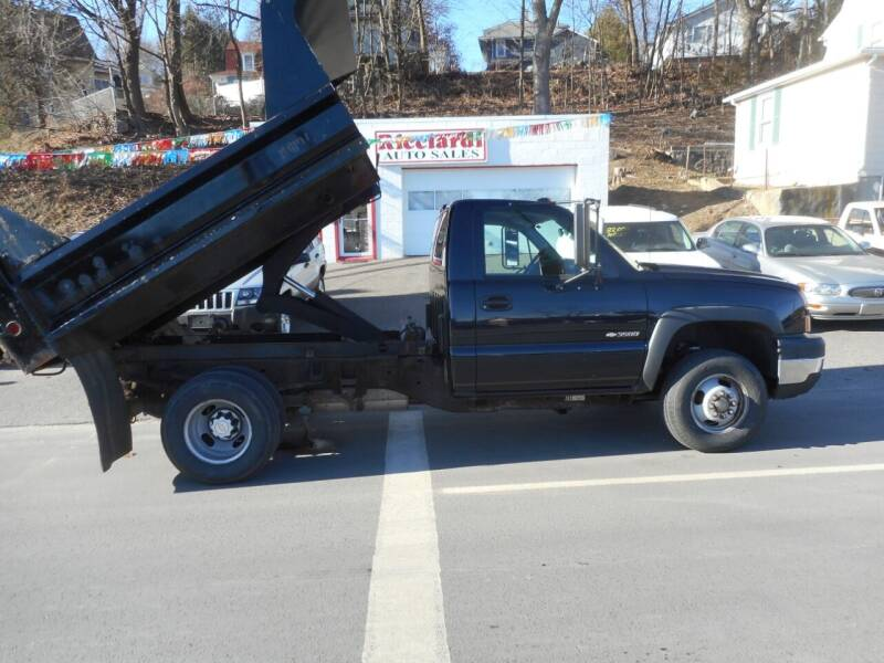 2006 Chevrolet Silverado 3500 for sale at Ricciardi Auto Sales in Waterbury CT