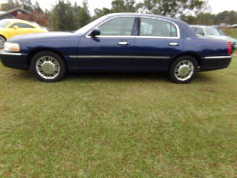 2008 Lincoln Town Car for sale at CHRIS AUTO SALES in Roanoke AL