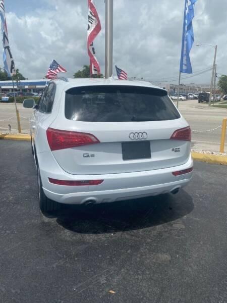 2012 Audi Q5 for sale at Navarro Auto Motors in Hialeah FL
