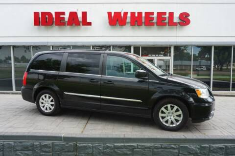 2015 Chrysler Town and Country for sale at Ideal Wheels in Sioux City IA