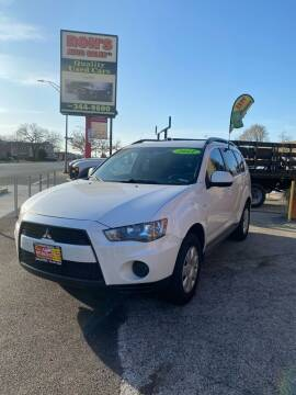 2011 Mitsubishi Outlander for sale at RON'S AUTO SALES INC in Cicero IL