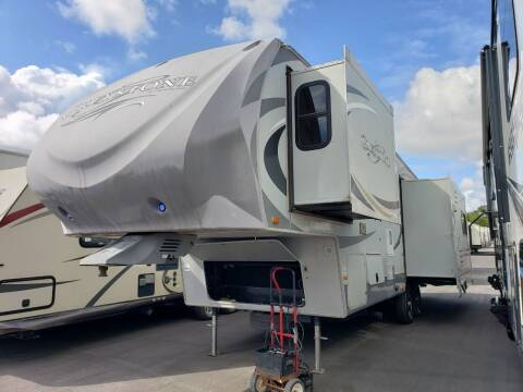 2011 Heartland Greystone 32RE for sale at Ultimate RV in White Settlement TX