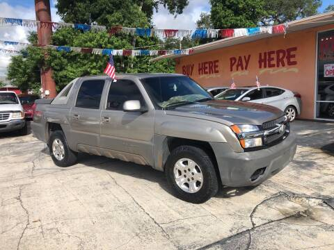2002 Chevrolet Avalanche for sale at DREAM CARS in Stuart FL