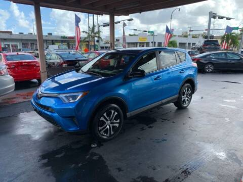 2017 Toyota RAV4 for sale at American Auto Sales in Hialeah FL