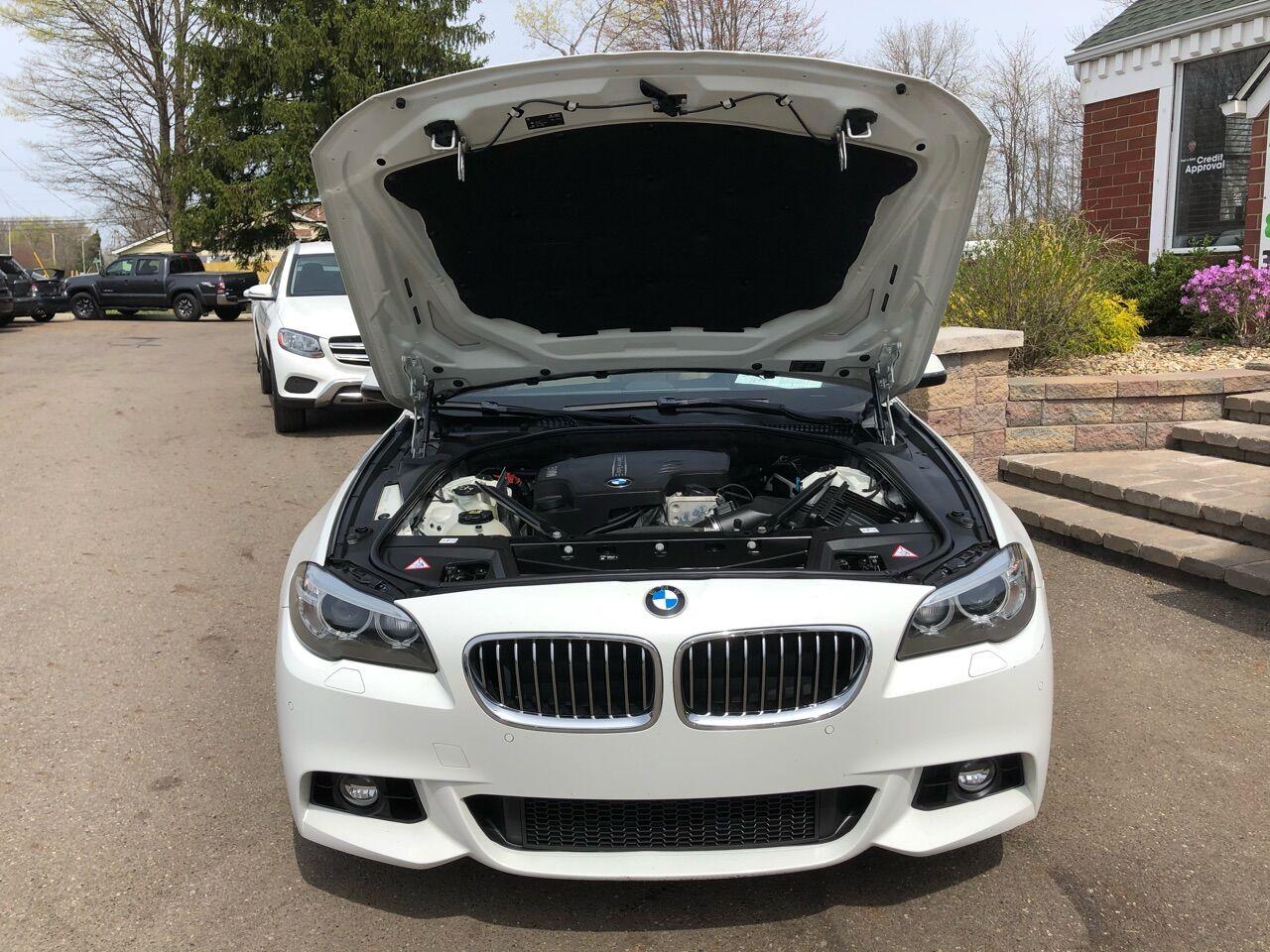 2016 BMW 5 Series 4dr Car