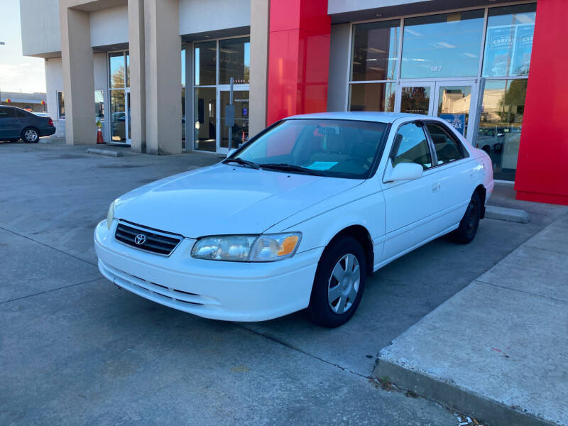 2000 Toyota Camry for sale at Thumbs Up Motors in Warner Robins GA