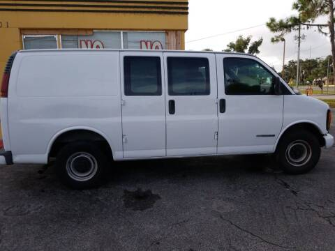 2002 GMC Savana Cargo for sale at BSS AUTO SALES INC in Eustis FL