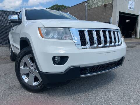 2011 Jeep Grand Cherokee for sale at Illinois Auto Sales in Paterson NJ