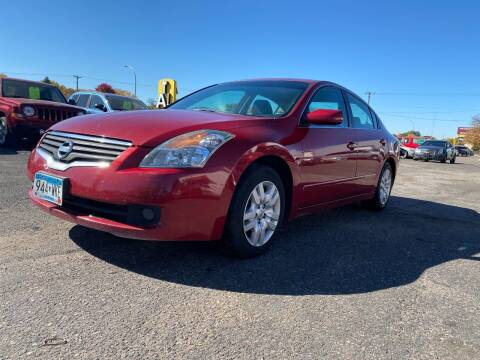 2009 Nissan Altima for sale at Auto Tech Car Sales and Leasing in Saint Paul MN