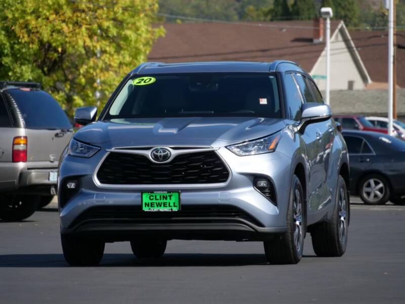 2020 Toyota Highlander for sale at CLINT NEWELL USED CARS in Roseburg OR