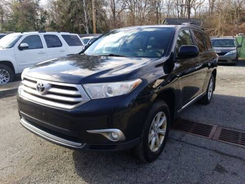 2011 Toyota Highlander for sale at AMA Auto Sales LLC in Ringwood NJ