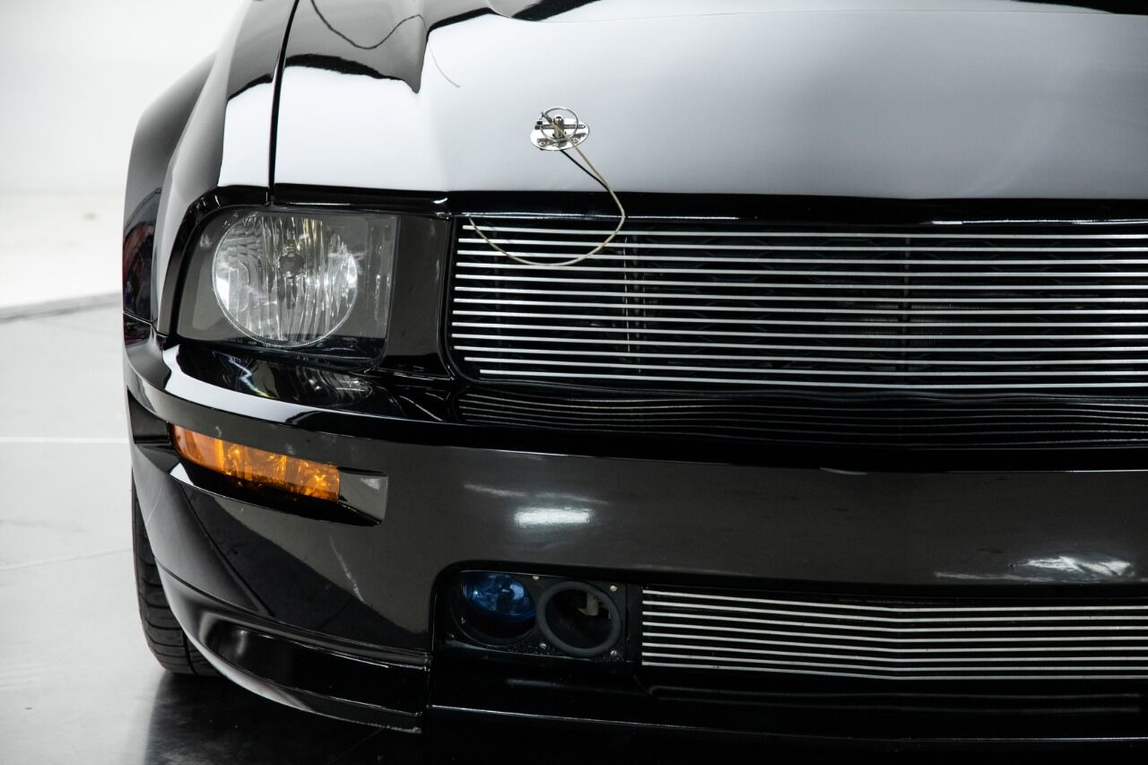 2007 Ford Mustang 28