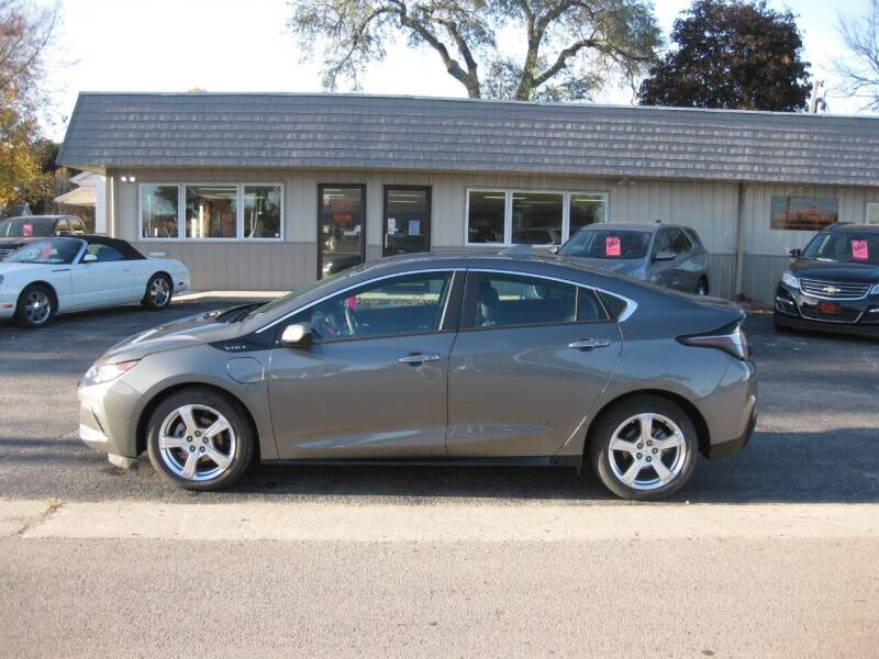 2017 Chevrolet Volt for sale at Greens Motor Company in Forreston IL