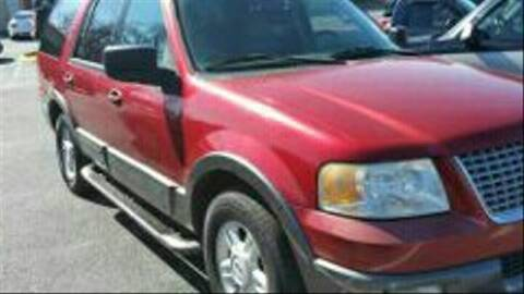 2004 Ford Expedition for sale at AFFORDABLE DISCOUNT AUTO in Humboldt TN