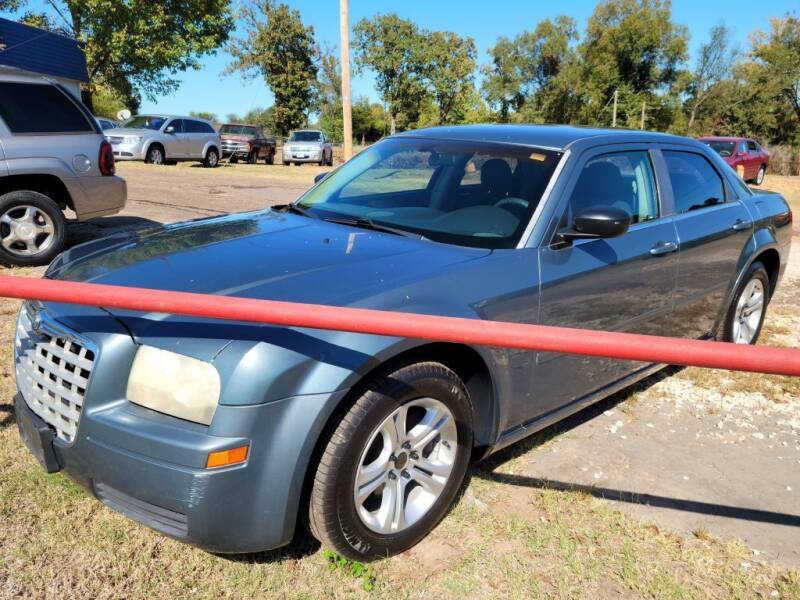 2006 Chrysler 300 for sale at QUICK SALE AUTO in Mineola TX