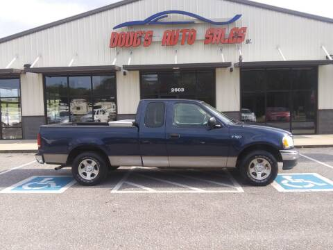 2002 Ford F-150 for sale at DOUG'S AUTO SALES INC in Pleasant View TN