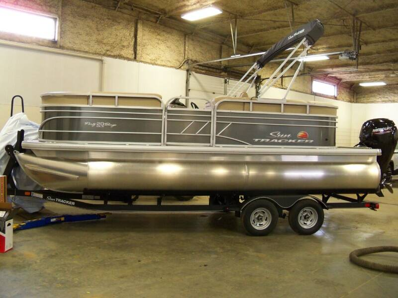 2020 SUNTRACKER PARTY BARGE for sale at Tyndall Motors in Tyndall SD
