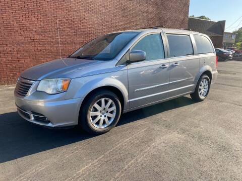 2013 Chrysler Town and Country for sale at GTO United Auto Sales LLC in Lawrenceville GA
