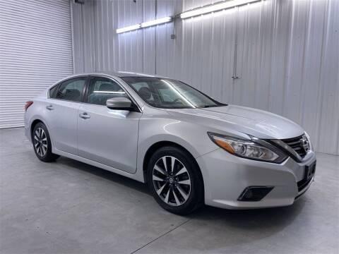2017 Nissan Altima for sale at JOE BULLARD USED CARS in Mobile AL