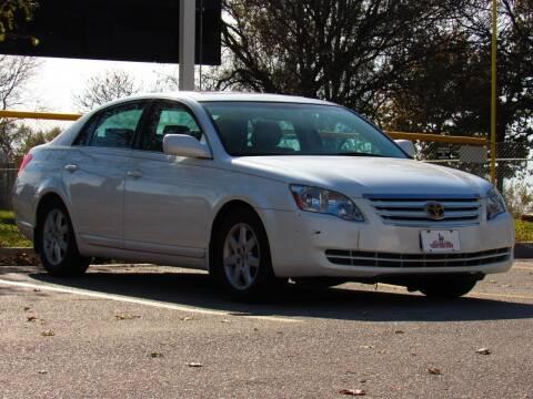 2005 Toyota Avalon for sale at NY AUTO SALES in Omaha NE