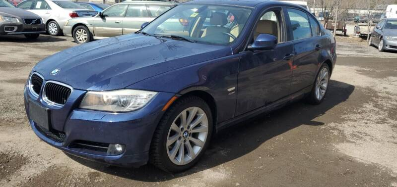 2011 BMW 3 Series for sale at Village Car Company in Hinesburg VT