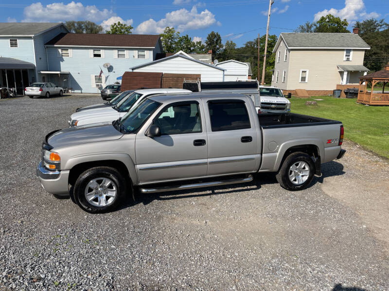 2005 GMC Sierra 1500 for sale at DOUG'S USED CARS in East Freedom PA