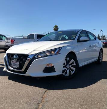 2019 Nissan Altima for sale at LUGO AUTO GROUP in Sacramento CA