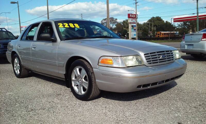 2005 Ford Crown Victoria for sale at Pinellas Auto Brokers in Saint Petersburg FL