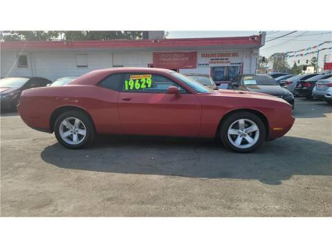 2012 Dodge Challenger for sale at Dealers Choice Inc in Farmersville CA