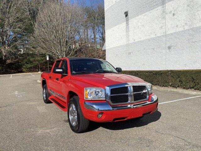 2006 Dodge Dakota for sale at Select Auto in Smithtown NY