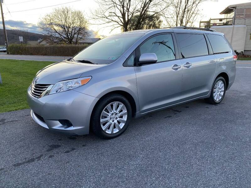 2013 Toyota Sienna for sale at Finish Line Auto Sales in Thomasville PA