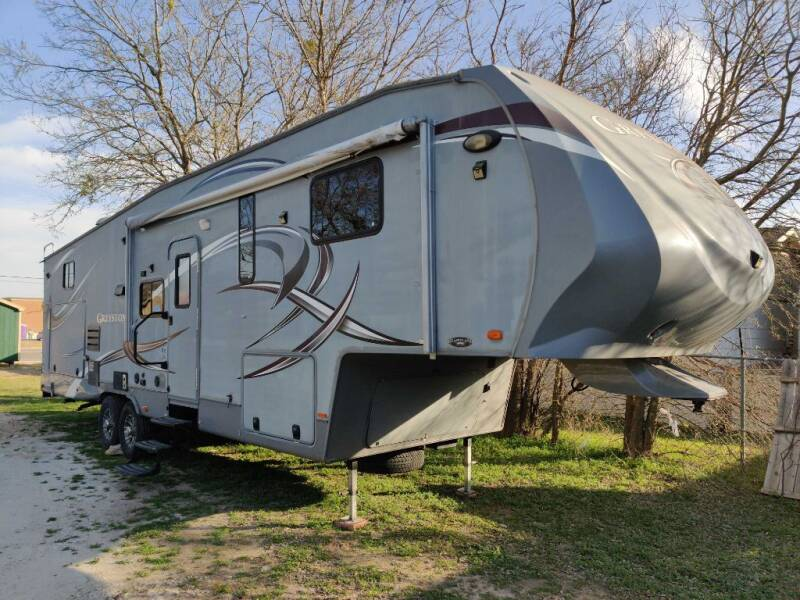 2012 Heartland GREYSTONE 33CK for sale at Texas RV Trader in Cresson TX
